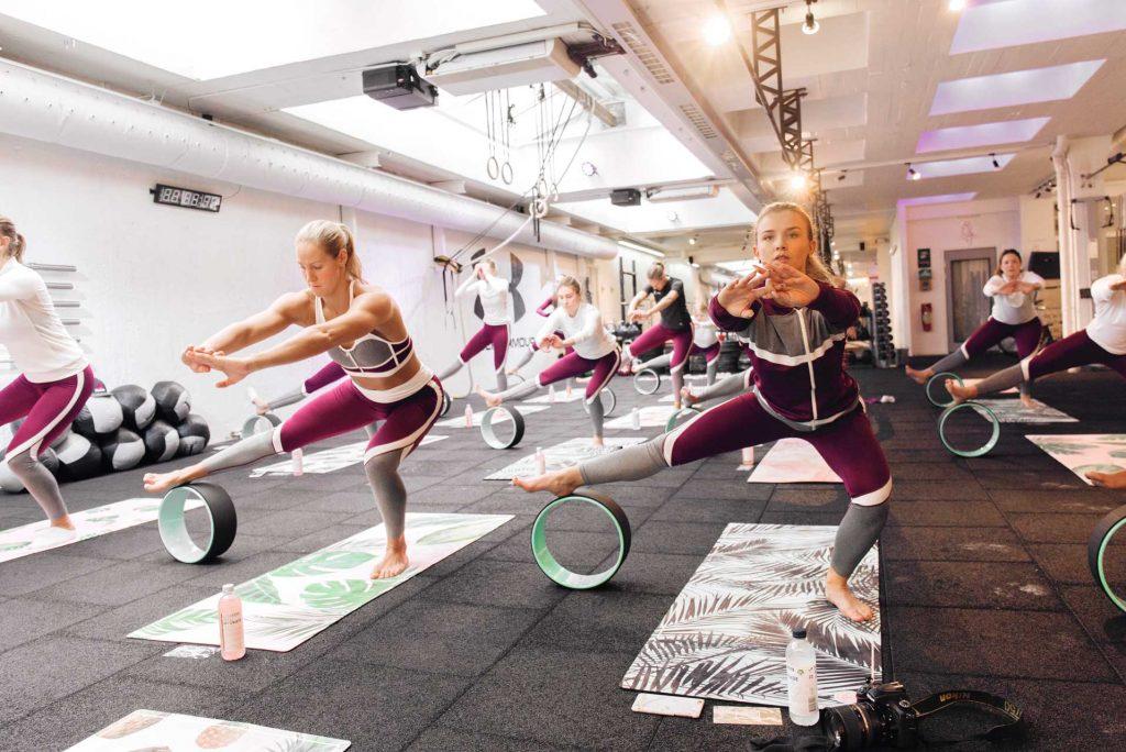 """De snygga träningskläderna vi hade på oss under träningseventet kommer från <a href=""""http://sannealexandra.metromode.se/2016/10/30/sannealexandra-work-out-event/"""">Sanne Alexandra</a>."""